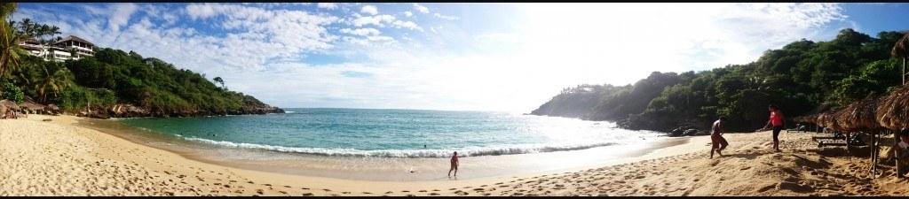 Añun si no vienes a tomar clases de Surf, Playa Carizalillo es perfecta para pasar una día tranquilo en una playa donde se puede nadar.